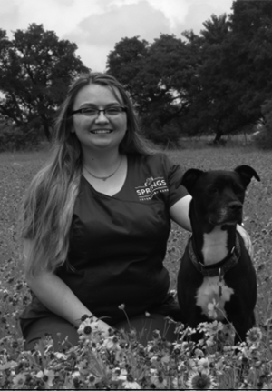dripping-springs-veterinary-team-taylor-dodes-bw